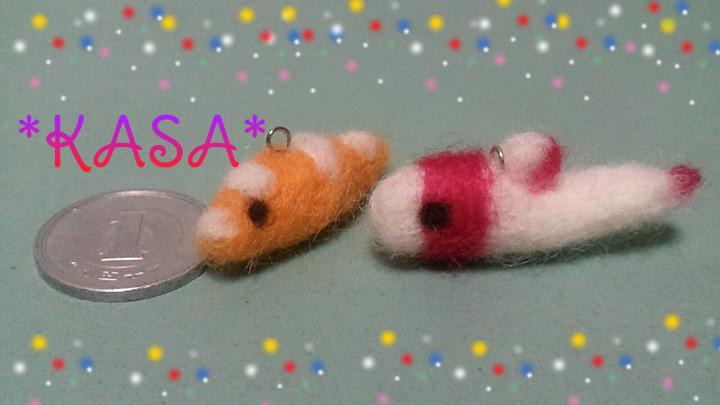 羊毛フェルトのツユベラ幼魚とイロブダイ幼魚
