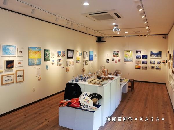 雑貨店のアート企画展