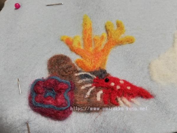 羊毛フェルト サンゴ ホワイトソックス